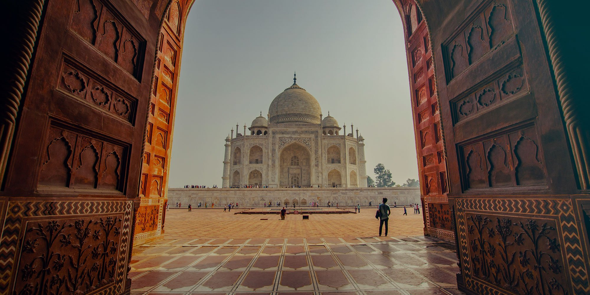 Taj Mahal, the most iconic tourist attraction to visit while you study English in New Delhi