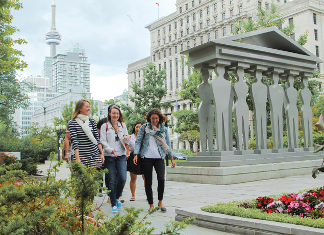 Group of ILSC Toronto English Students explore the city outside of class in fun activities