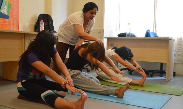 ILSC New Delhi students practise Yoga