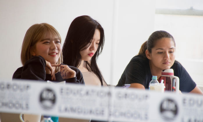 img_3_girls cambridge preparation class